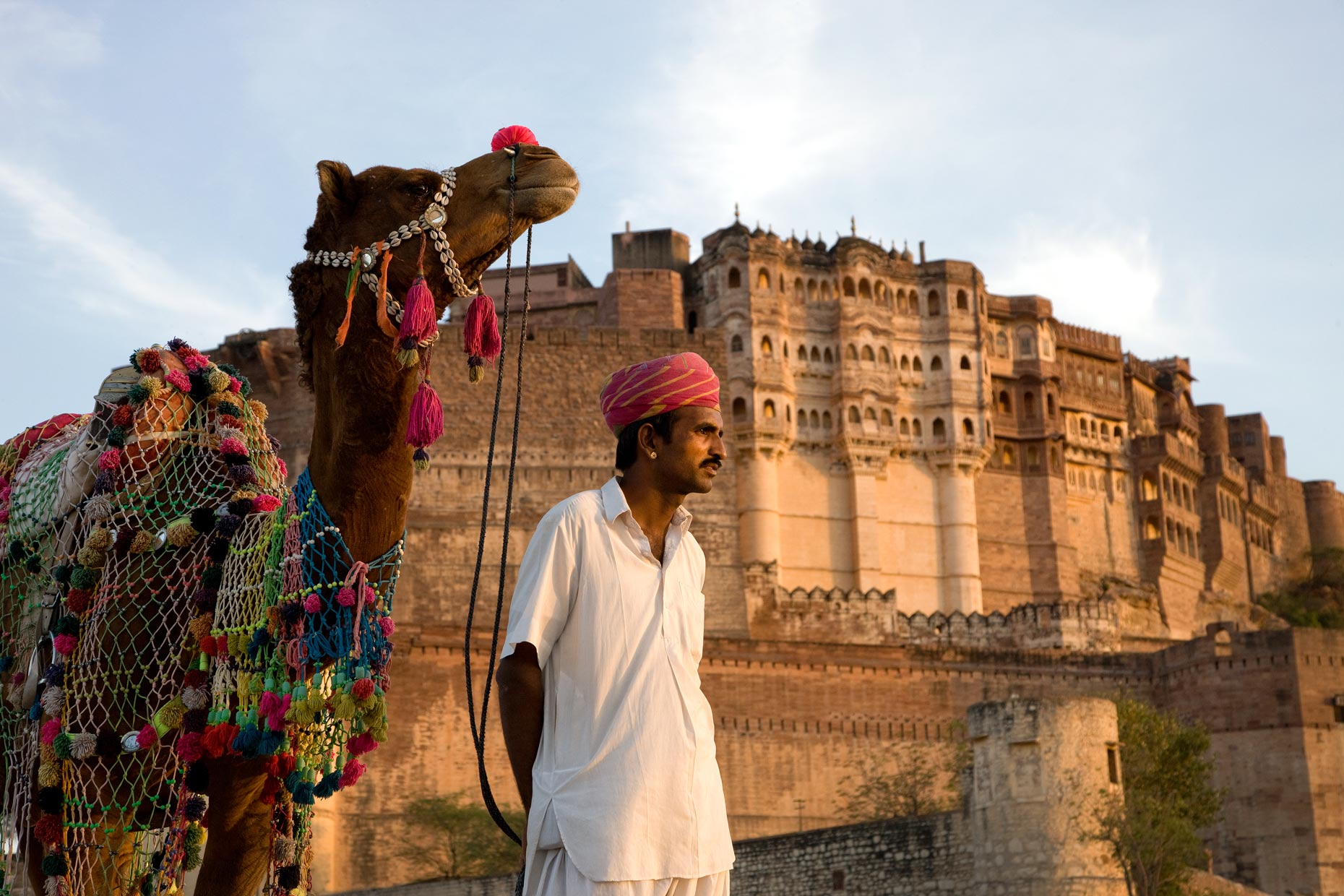 camel owner in front of fort in Jaipur