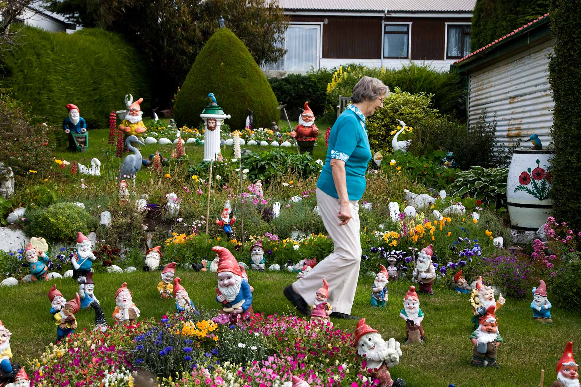 woman-with-garden-gnomes